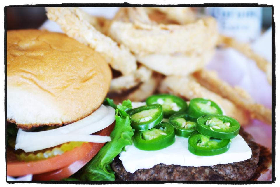 Pocket's Grille burger with jalapeños