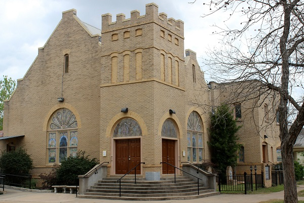 First United Methodist Church in Smithville Texas
