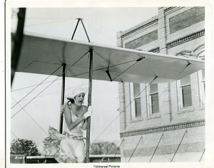 Susan Sarandon wingwalking in movie The Great Waldo Pepper in downtown Elgin TX.
